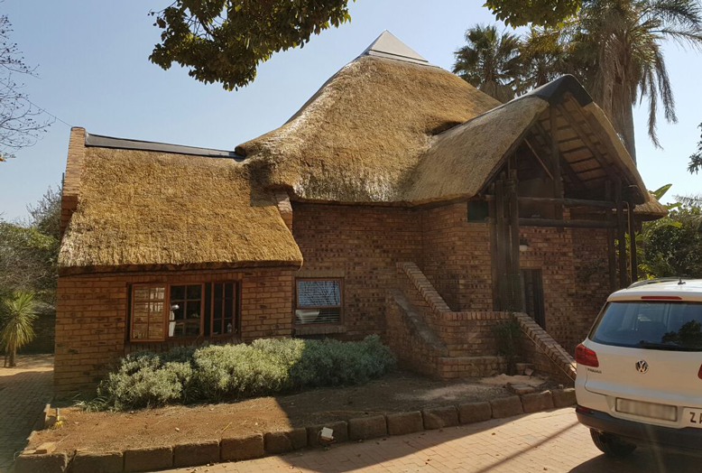 Designing of new thatch roofs